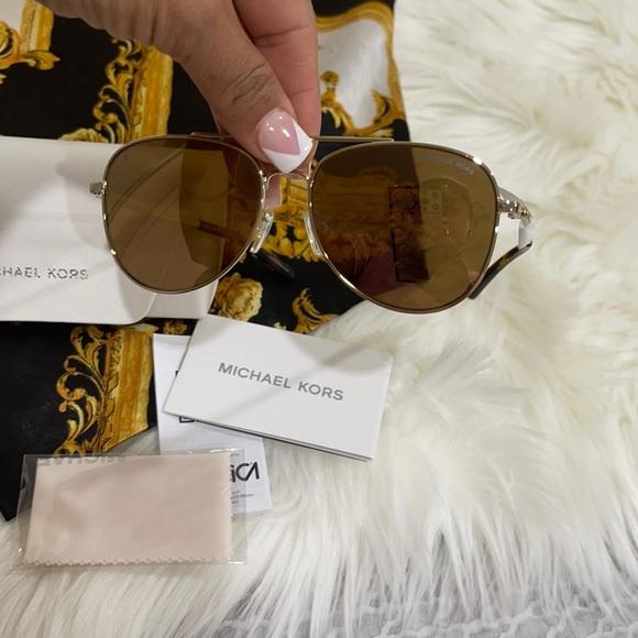 ⚜️Michael Kors San Diego Polarized Gold Sunglasses